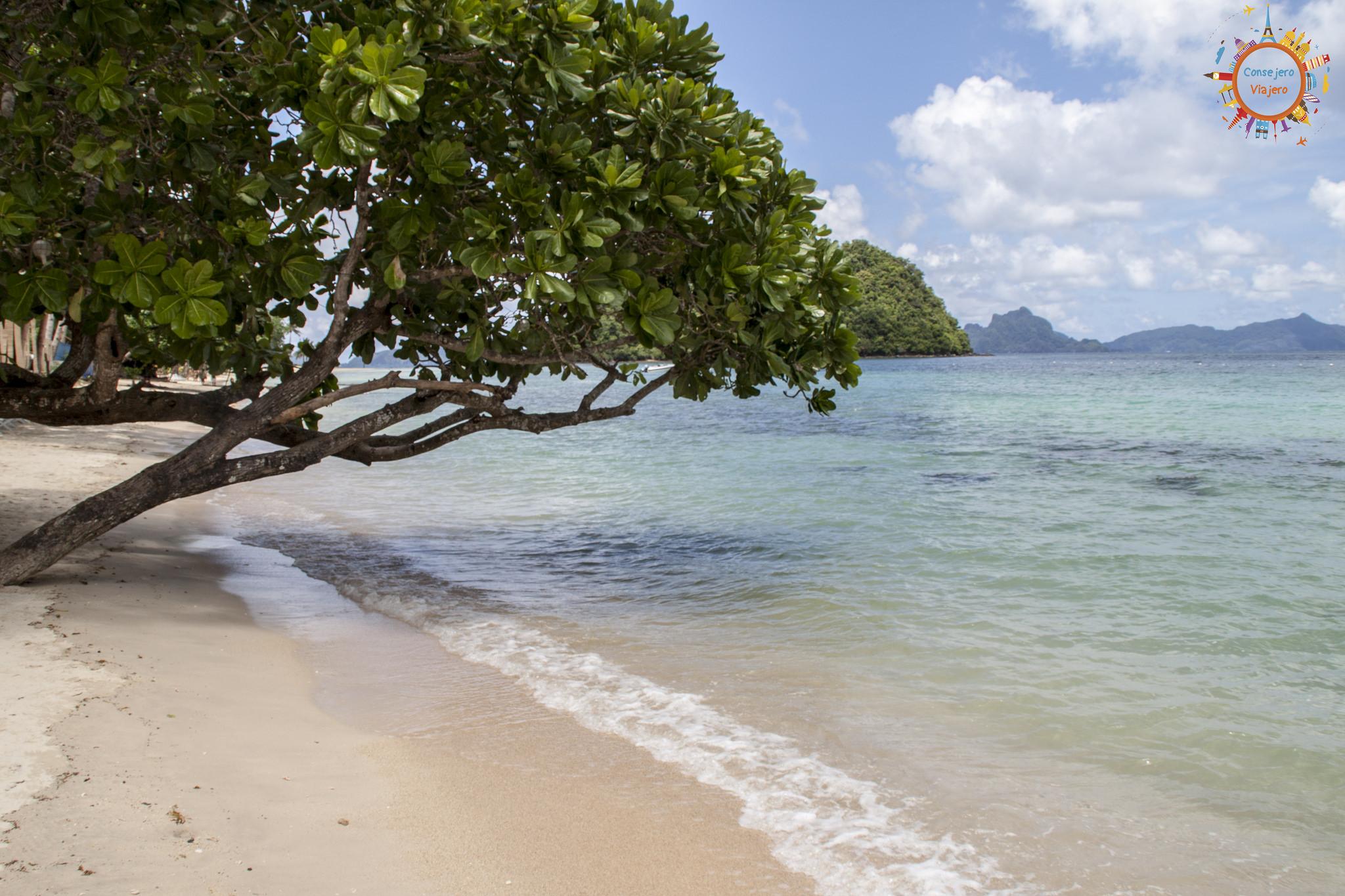 El Nido y Las Cabanas Beach